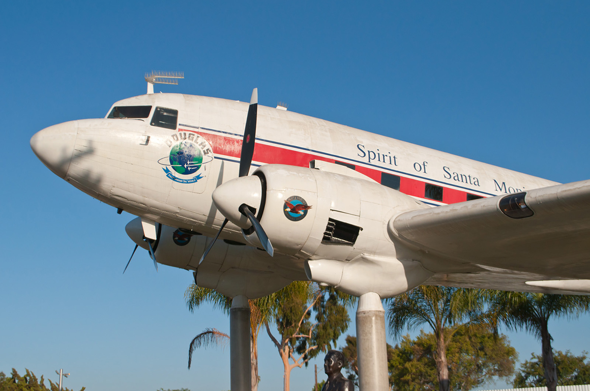 Spirit of Santa Monica Douglas DC-3 at the Museum of Flying. | InSapphoWeTrust/Flickr/Creative Commons (CC BY-SA 2.0)