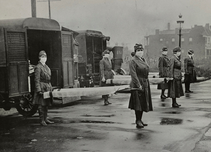 October 10, 1918: Members of the St. Louis Red Cross Motor Corps on duty during the influenza epidemic. | Courtesy Library of Congress