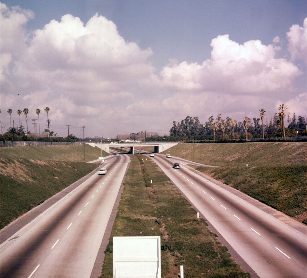An early view of the Santa Ana Freeway (I-5) at 1st Street in Santa Ana, courtesy of the Orange County Archives