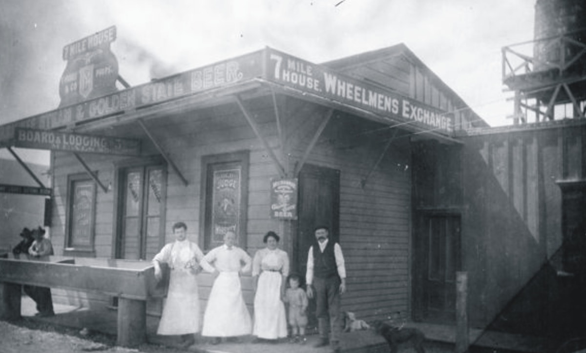 7 Mile House circa 1908 | Courtesy of 7 Mile House