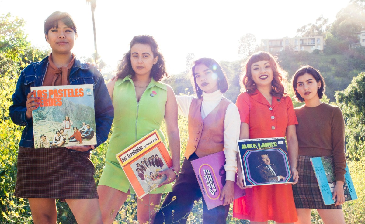 The Chulita Vinyl Club (Liz Rosales, Linda Tovar, Roseli Martinez, MaryAnn Aguirre and Karina Ramirez) | César Cervantes