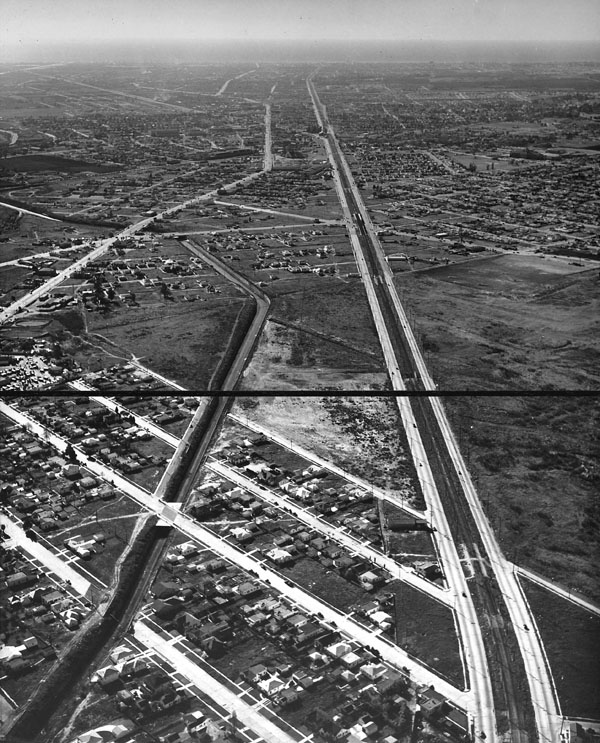 1940 aerial view of Venice Boulevard stretching toward the sea. Courtesy of the USC Libraries - Dick Whittington Photography Collection.