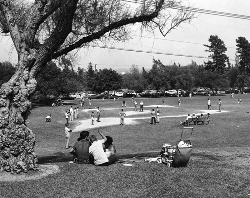 Amateur baseball game in Griffith Park | Security Pacific National Bank Collection, Los Angeles Public Library