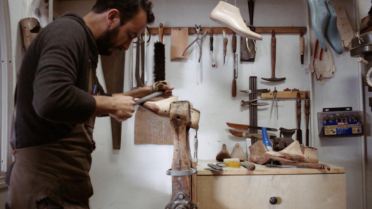 "Artbound still image from documentary ""Artesanos/Artisans"""