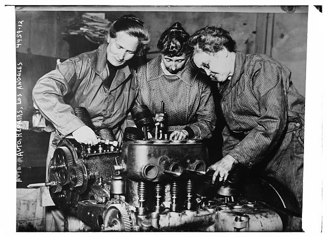 Auto Repairs Los Angeles circa 1915 - 1920 Bain News Service Greorge Grantham Bain Collection Prints and Photographs Library of Congress