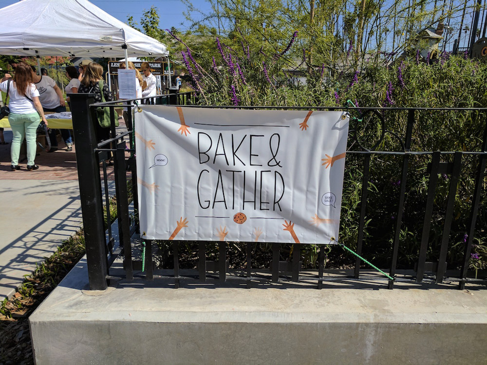 Bake and Gather, Sign