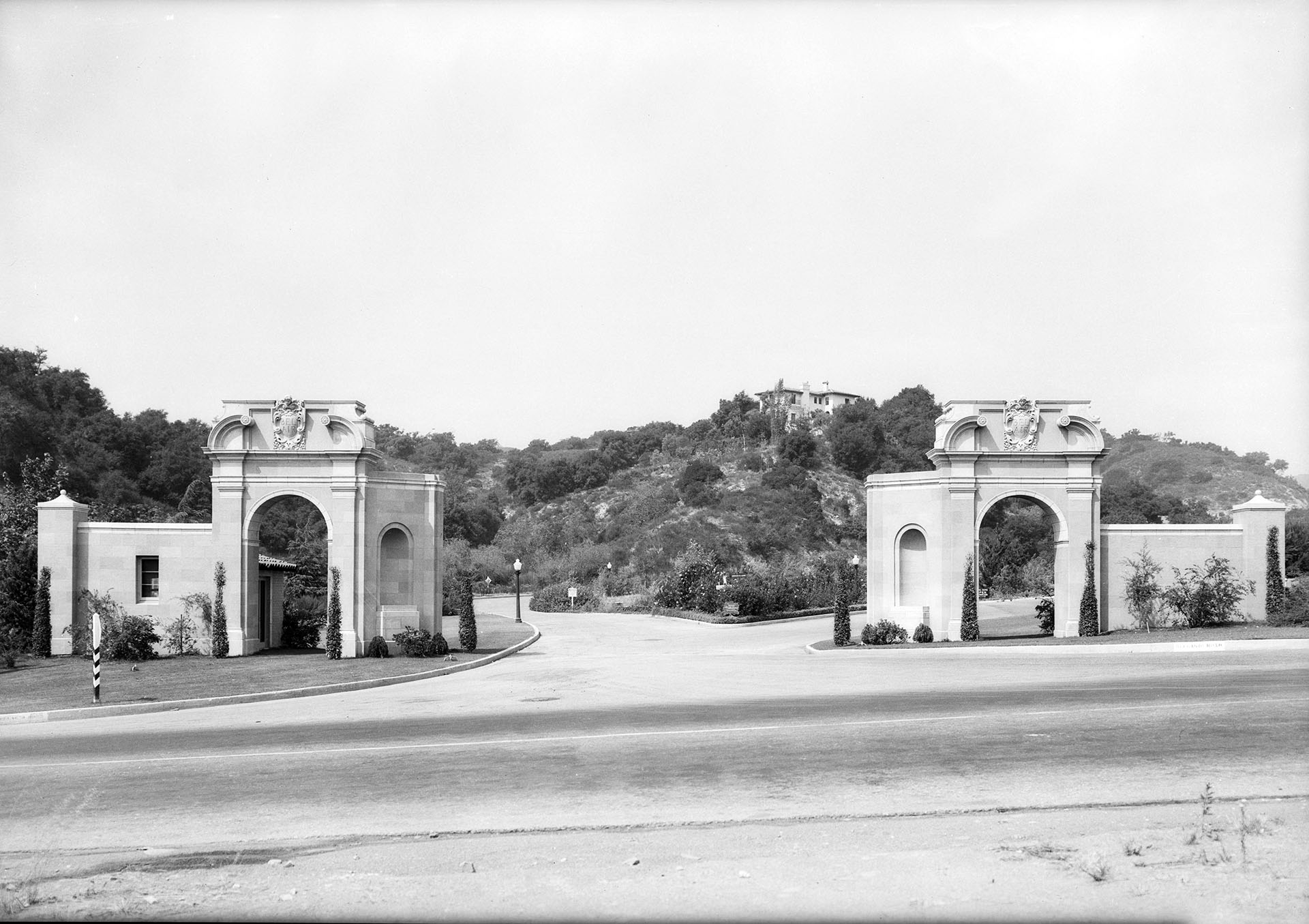 Bel Air entrance, 1932