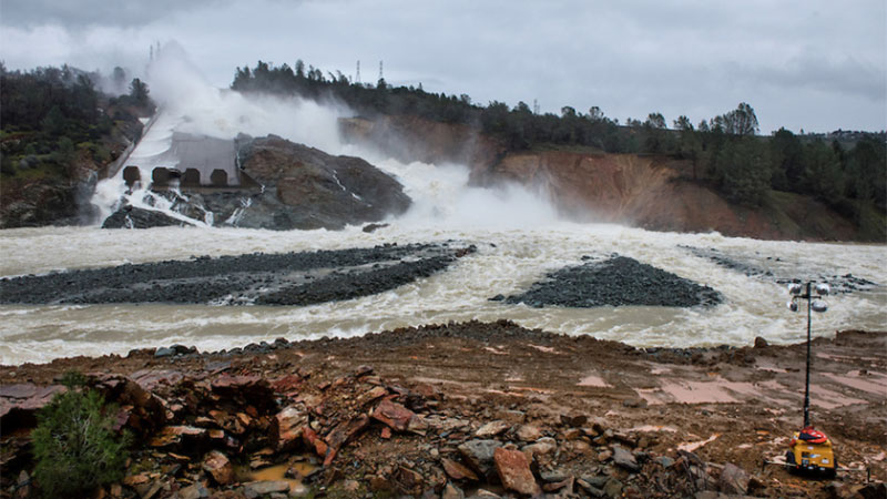 Below the Oroville Dam on February 18, 2017 | Photo: Florence Low / California Department of Water Resources