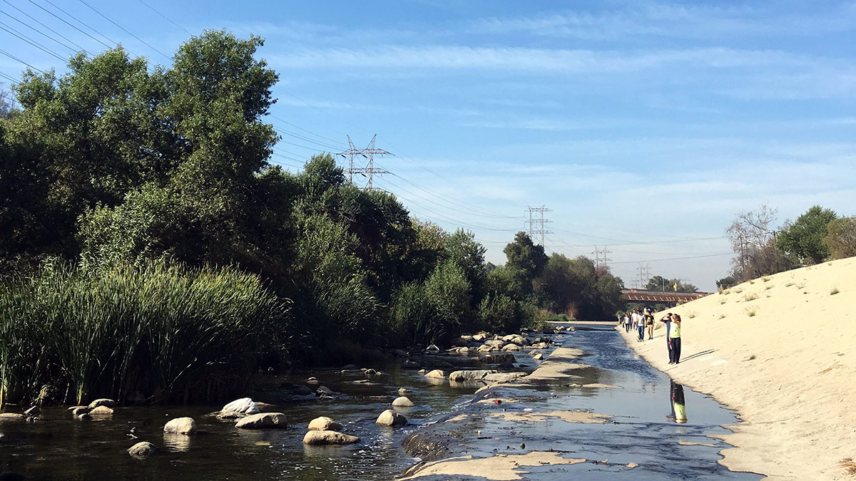 Pierce College students exploring the L.A. River. | Courtesy of Beth Abels