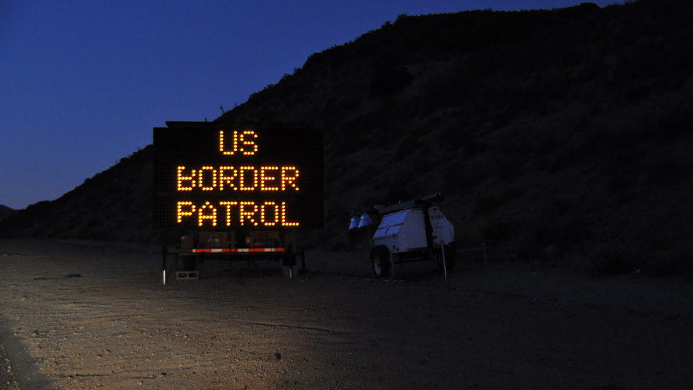 Border Patrol checkpoint sign | Photo: Jonathan McIntosh, some rights reserved