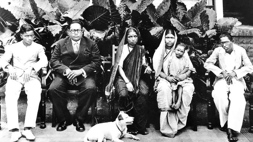 Rajagriha, Bombay, February 1934. From left to right: Yashwant, B.R. Ambedkar, Ramabai, Laxmibai, Mukundrao and Tobby. | Wikimedia Commons