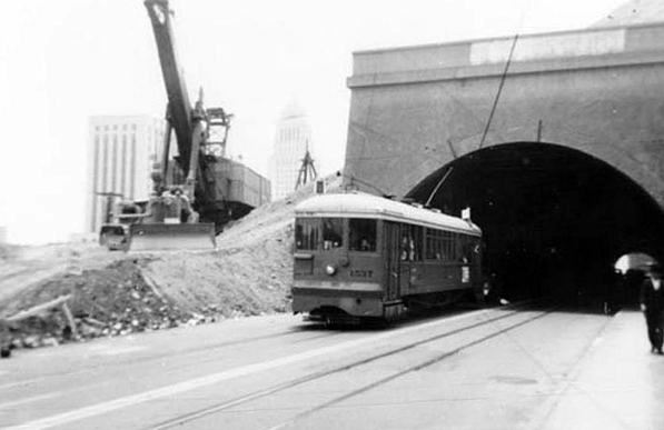 broadway_tunnel.jpg