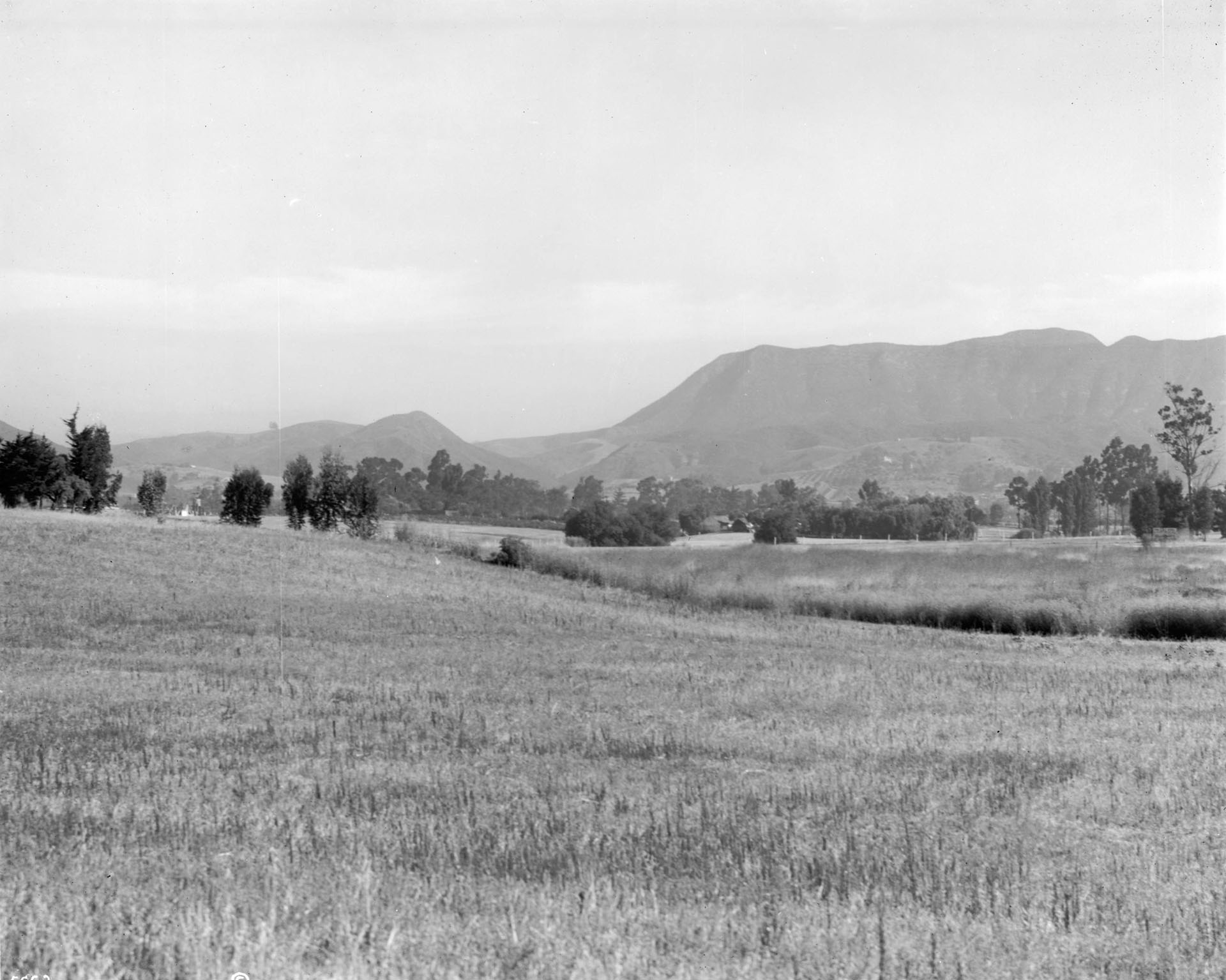 Panoramic view of Cahuenga Pass, looking north from Melrose, Hollywood, ca.1915
