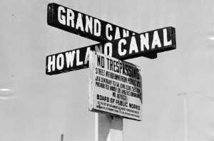 canal_signage_i.jpg