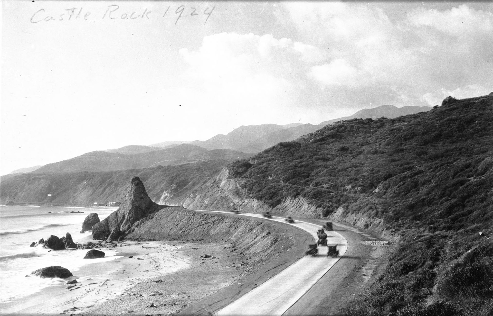 Castle Rock and the Roosevelt Highway in 1924