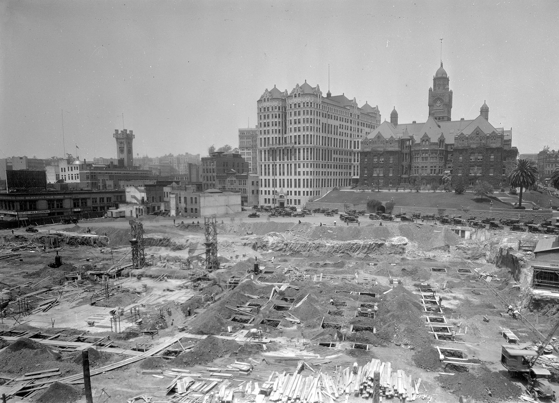 Excavation work for the construction of Los Angeles City Hall, circa 1926