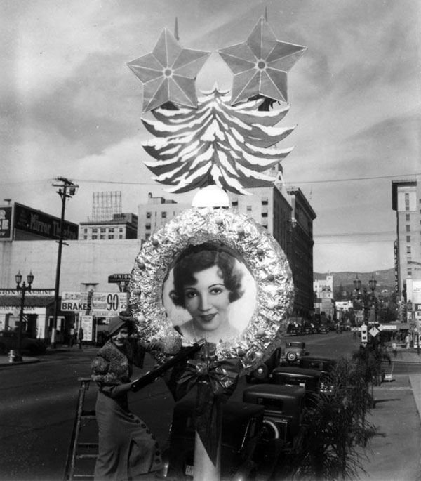 claudette_colbert_wreath.jpg