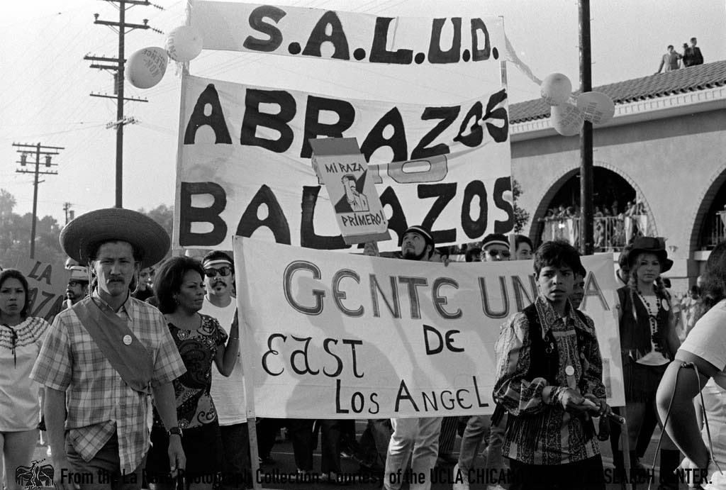 CSRC_LaRaza_B14F11S4_N069 September Mexican Independence Day Parade  | La Raza photograph collection. Courtesy of UCLA Chicano Studies Research Center