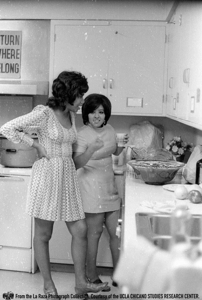 CSRC_LaRaza_B14F5S4_N010 Anna Nieto Gomez and another woman inside a kitchen at Los Angeles City College | La Raza photograph collection. Courtesy of UCLA Chicano Studies Research Center