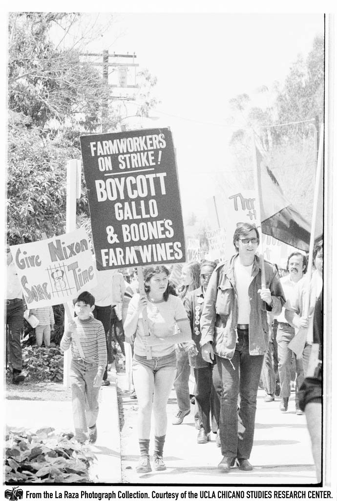 "CSRC_LaRaza_B15F14C1_Staff_012 Protesters demonstrate against President Richard Nixon in the ""Dump Nixon"" march from Echo Park to MacArthur Park 