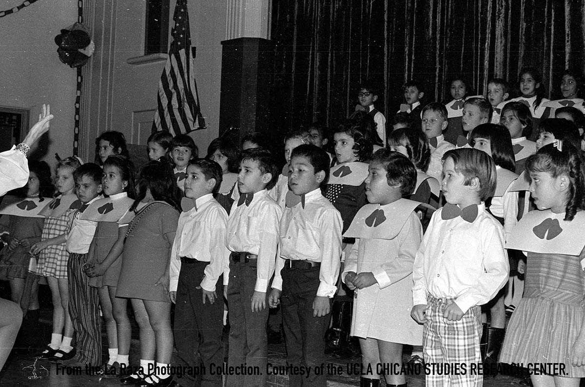 CSRC_LaRaza_B7F9S1_N014 Children singing | Pedro Arias, La Raza photograph collection. Courtesy of UCLA Chicano Studies Research Center