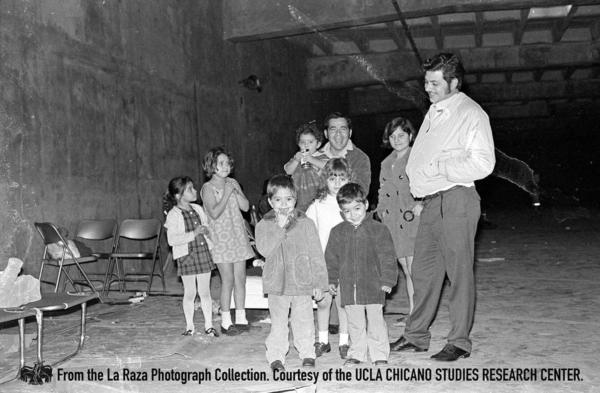 CSRC_LaRaza_B7F9S5_N001 A group of children | La Raza photograph collection. Courtesy of UCLA Chicano Studies Research Center