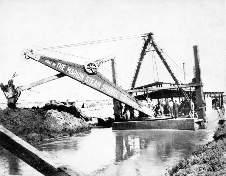Completing the work started by mule teas, steam shovels dredged the Venice canals out of tidal marshlands. Courtesy of the USC Libraries - California Historical Society Collection.