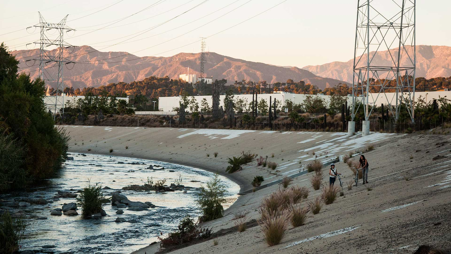 A walk along the L.A. River. | Taylor Fitz-Gibbon