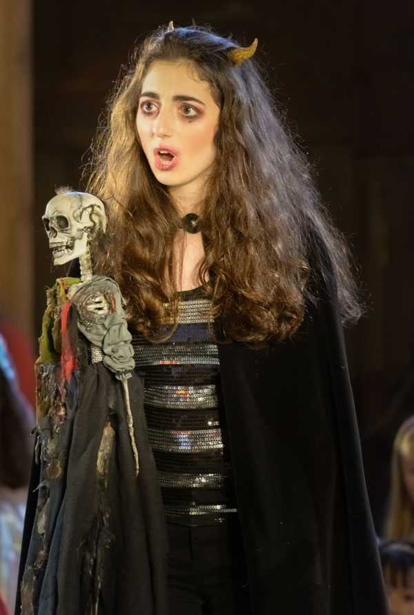 Emma Mackenzie as Emma Vireo