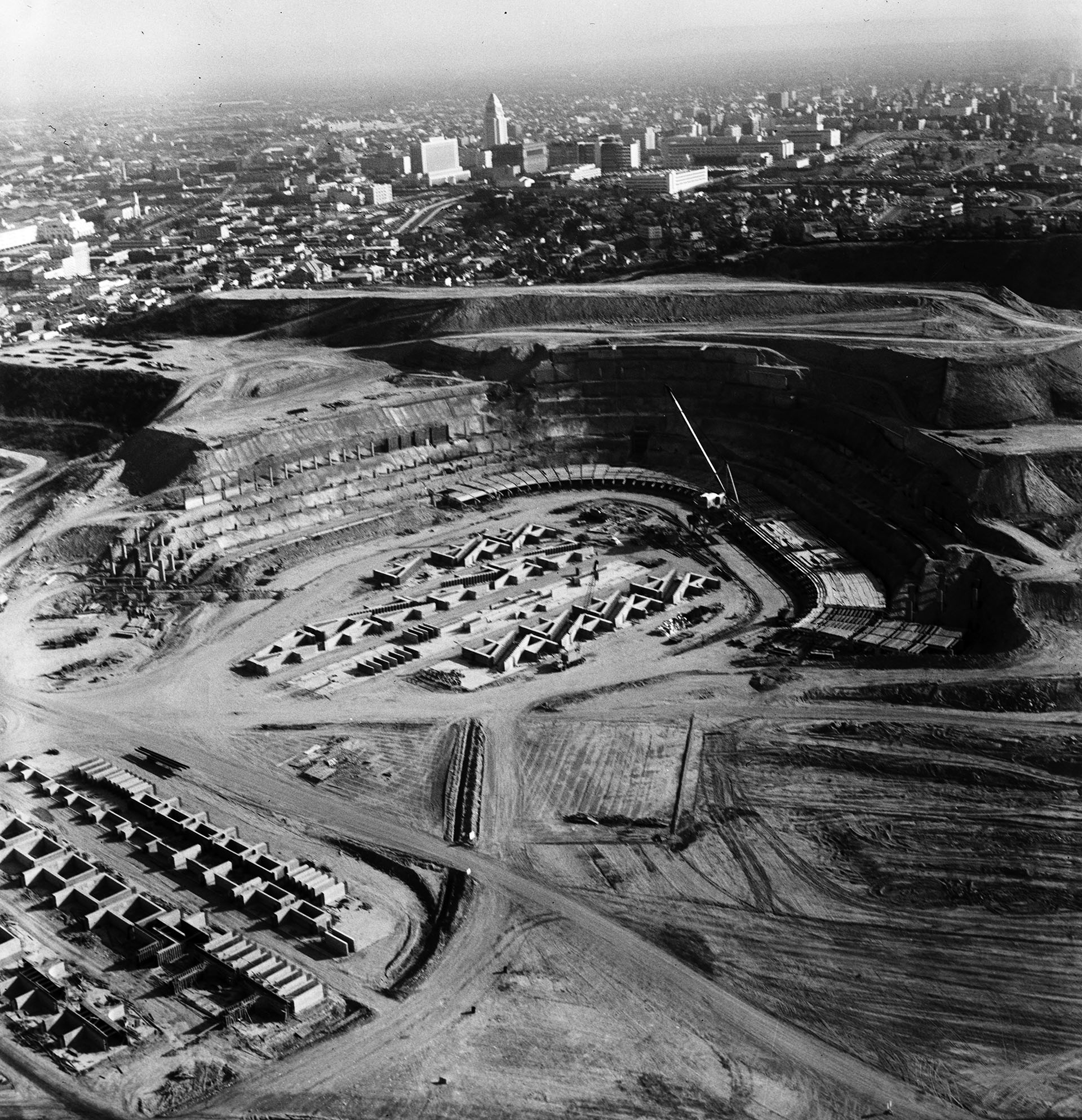 Dodger Stadium under construction on April 28, 1961. Courtesy of the USC Libraries - Los Angeles Examiner Collection.