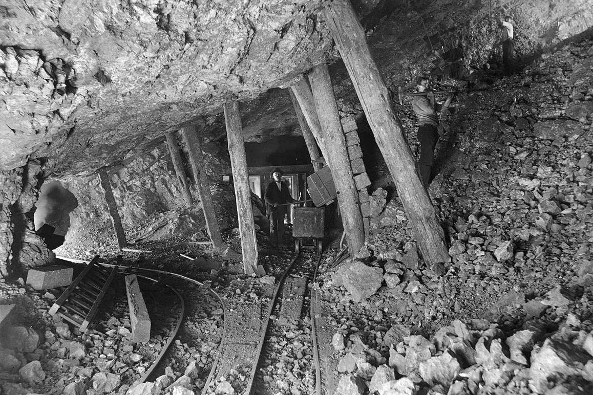 Several miners toiling 125 ft below in what is believed to be the Bagdad Mine in Ludlow, CA. | Charles C. Pierce, ca. 1900. Courtesy of USC Libraries and California Historical Society.