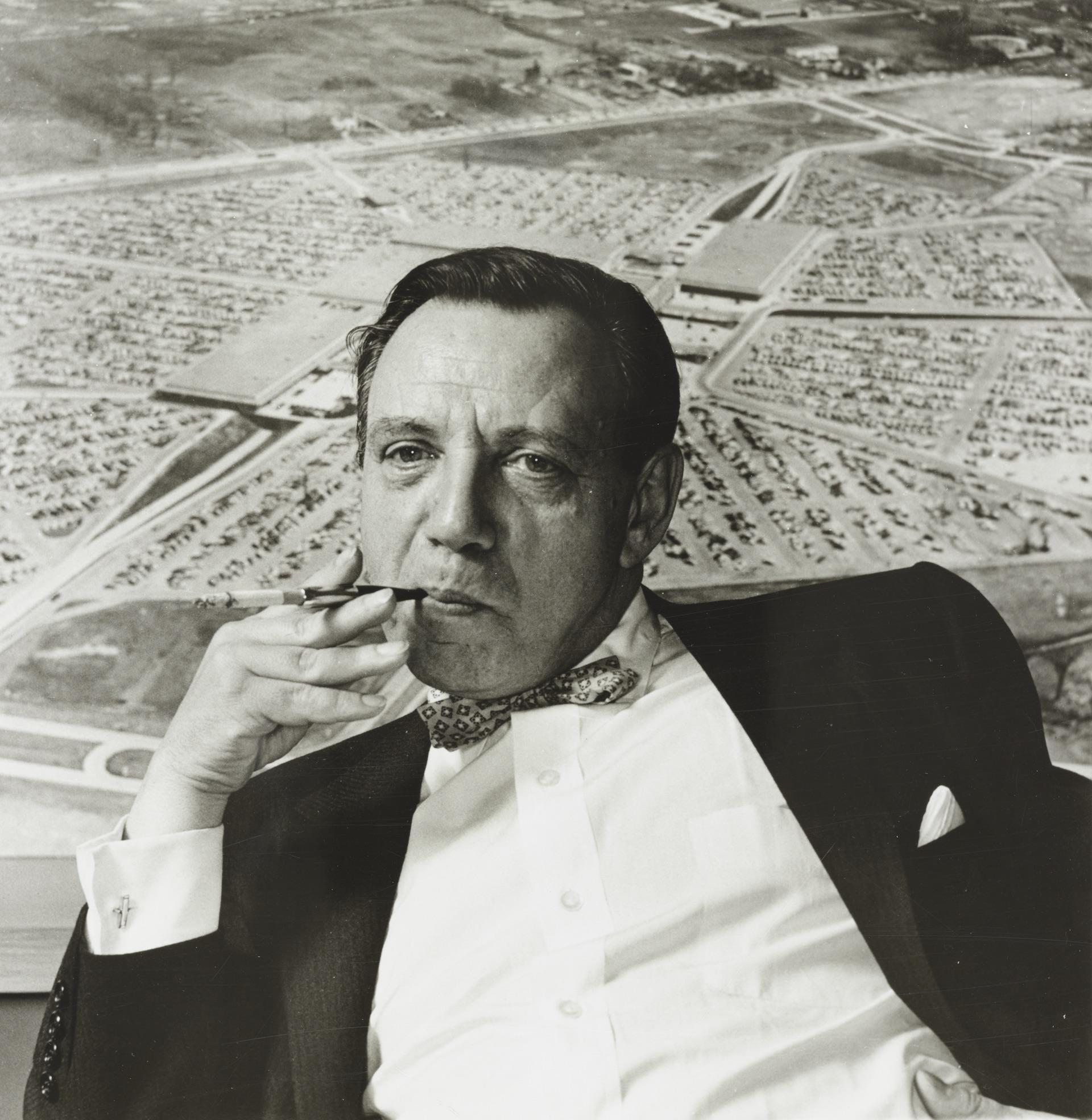 Victor Gruen smoking