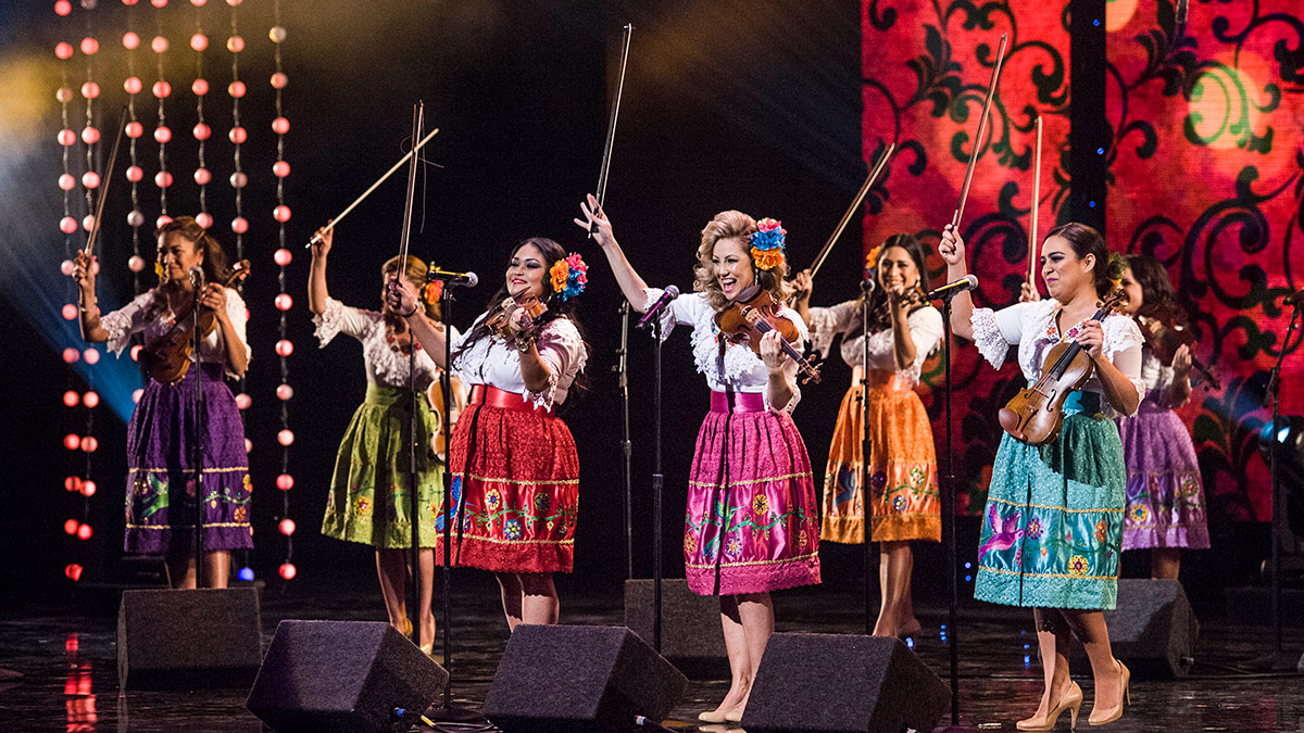 Las Colibrí at the 57th annual Holiday Celebration at the Music Center | Timothy Norris