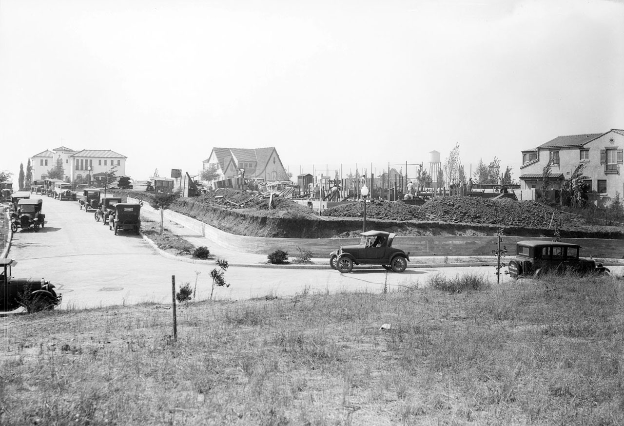 Monte Mar Vista houses under construction in 1927. Courtesy of the USC Libraries - Dick Whittington Photography Collection.