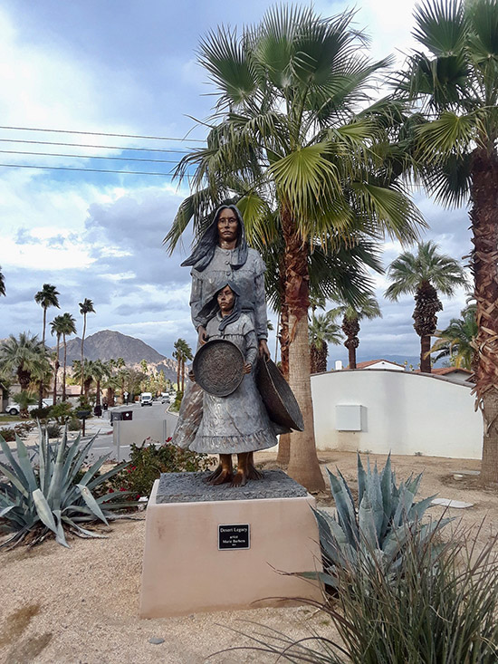 La Quinta - Mother and Child Sculpture