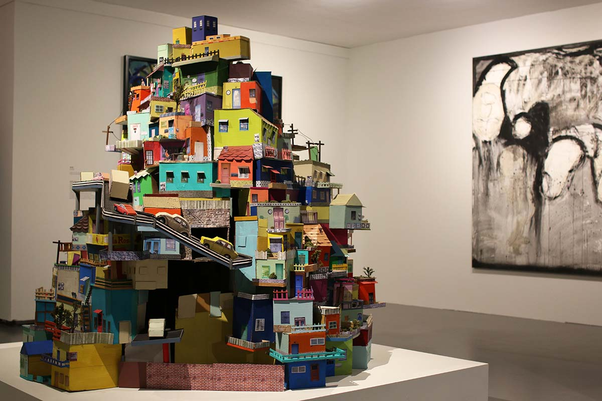 "Ana Serrano's ""Cartonlandia"" 2008 | Samanta Helou Hernandez"
