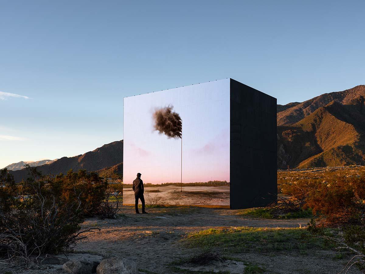 Desert X installation view, John Gerrard, Western Flag (Spindletop, Texas) 2017, 2017-2019 | Lance Gerber, courtesy of Desert X