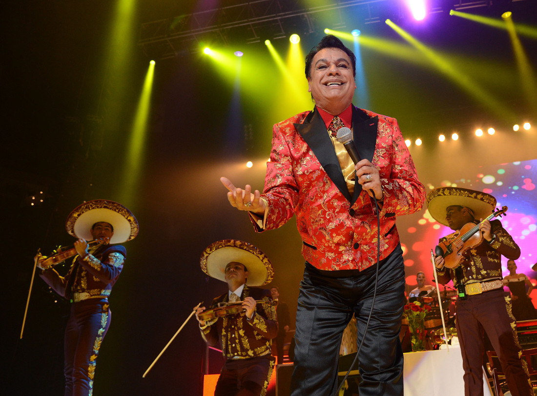 "Singer Juan Gabriel performs during his ""Volver Tour 2014"" on September 28, 2014 in Oakland, California. 