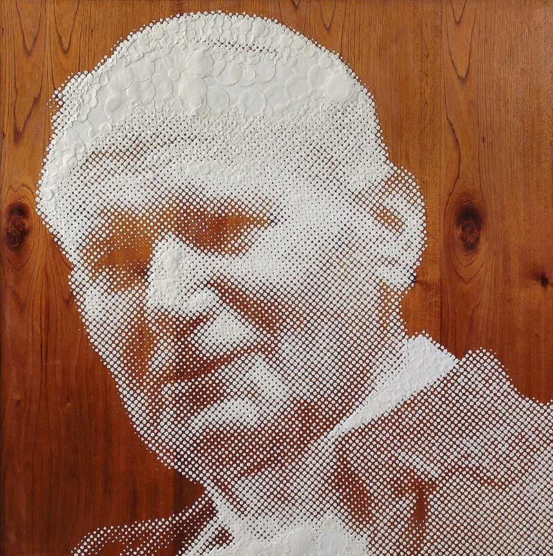 Mondongo, Juan Pablo II. Communion wafers on wood | Courtesy of the artists