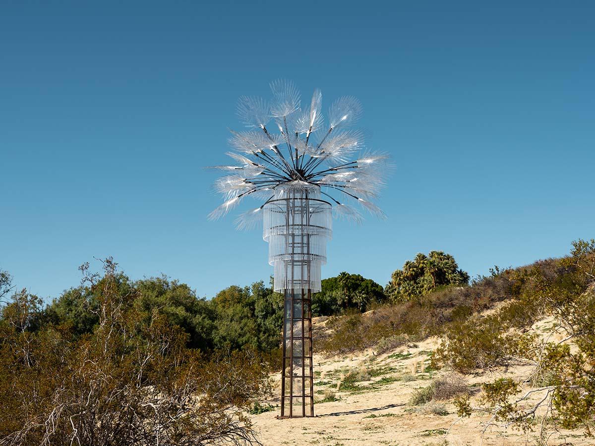 Desert X installation view, Kathleen Ryan, Ghost Palm, 2019 | Lance Gerber, courtesy of Desert X