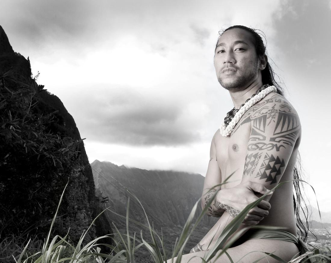 Kumu Olelo Kaeo Izon (Kanaka Maoli-Independent Nation of Hawaii), 2013. Photographed by Matika Wilbur for Project 562.