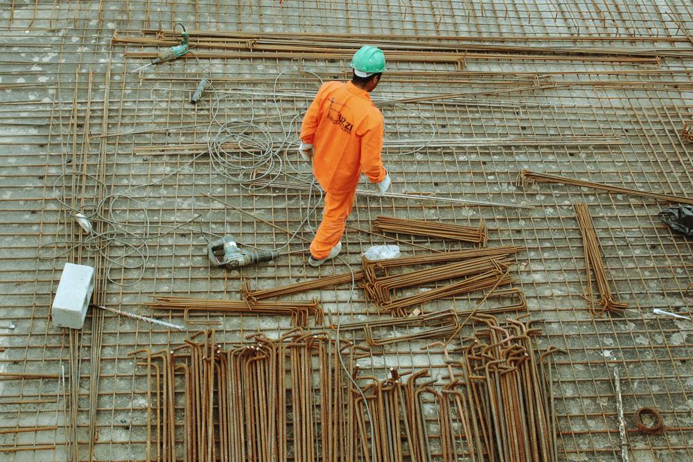 Long Beach construction site worker