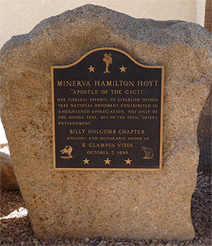 Minerva Hamilton Hoyt monument plaque | Daniel Mayer/Creative Commons