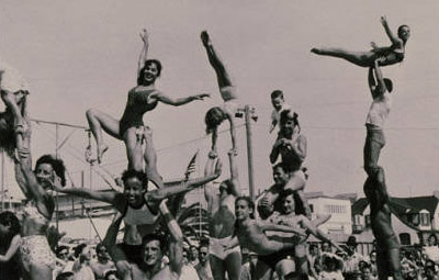 Muscle Beach in Santa Monica | Russ Saunders and Paula Unger Boelsems Collection/Santa Monica Public Library Image Archives