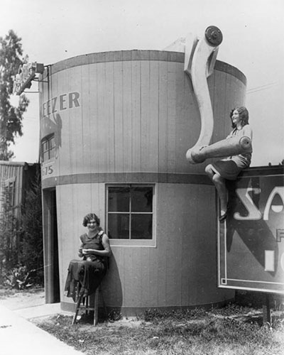The Freezer was a chain of five ice cream stands, each in the shape of a hand-crank churn | Photograph courtesy of Security Pacific National Bank Collection, Los Angeles Public Library
