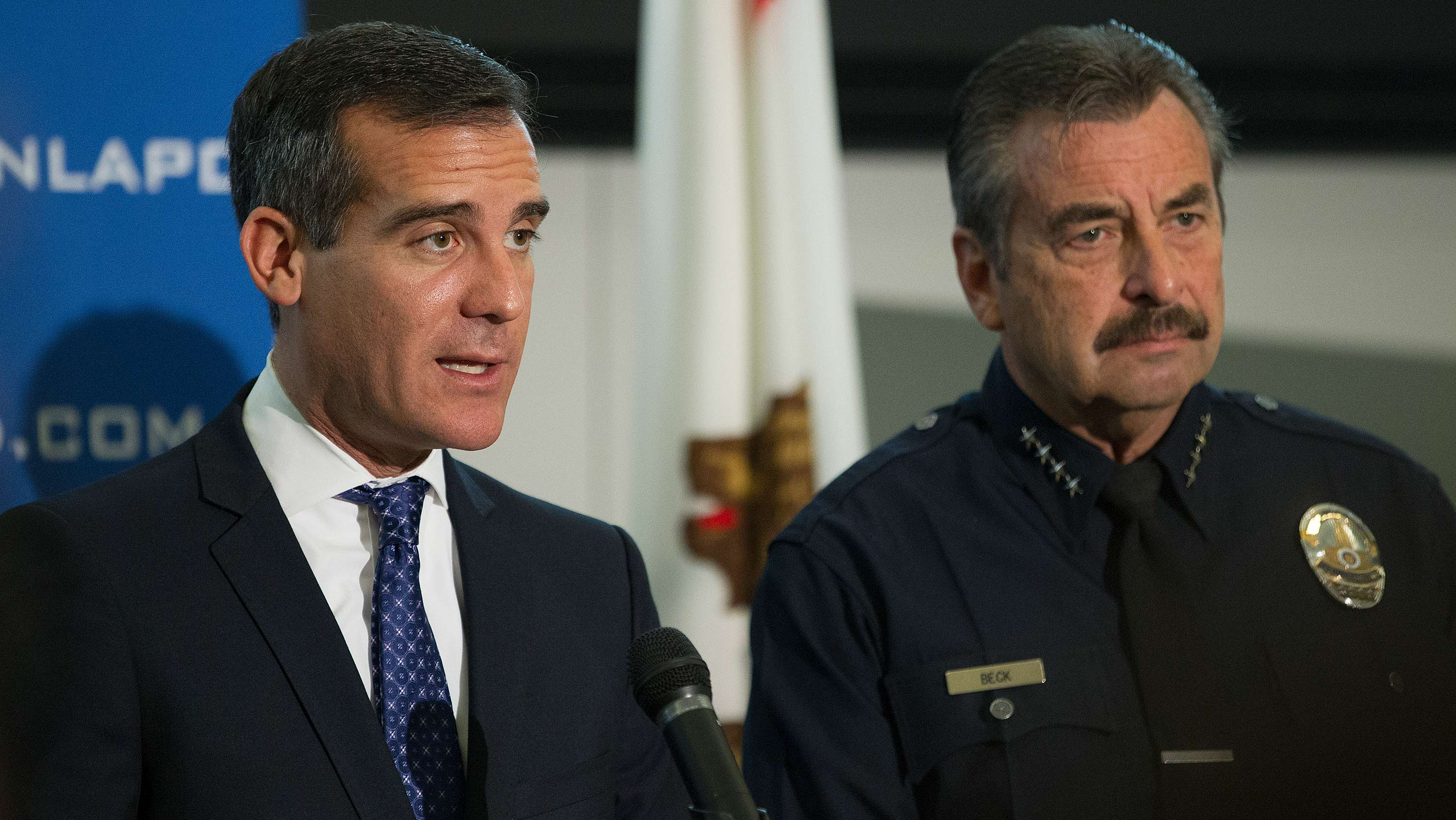 L.A. Mayor Eric Garcetti and LAPD Chief Charlie Beck in Jan. 2014 | photo by Scott L via Wikimedia Commons