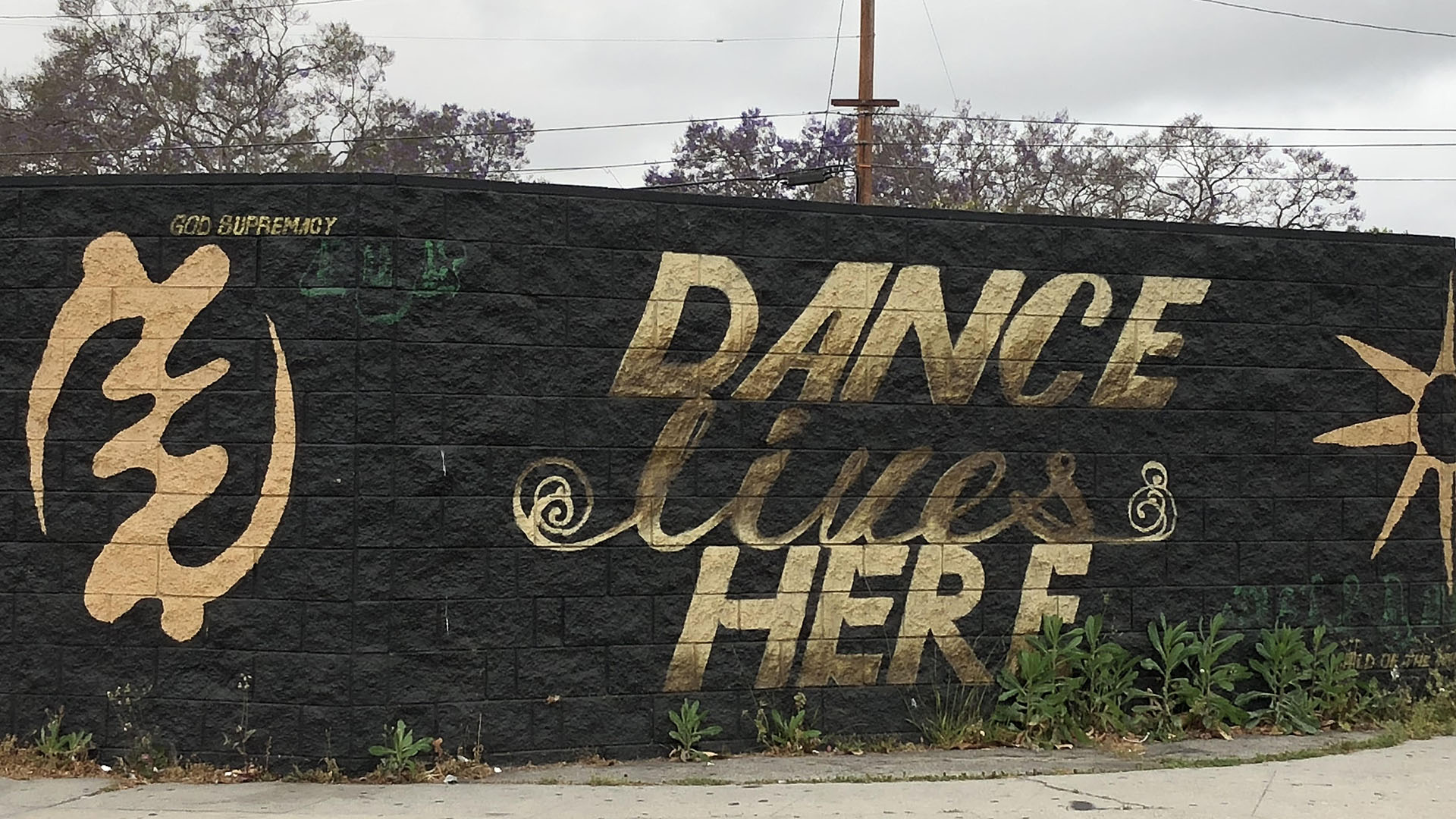 """Dance Lives Here"" mural on Crenshaw"