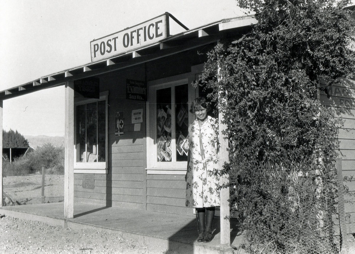 Susie Keef Smith, postmaster, Mecca, California PO 1929. | Lula Mae Graves. Warner Graves Collection.