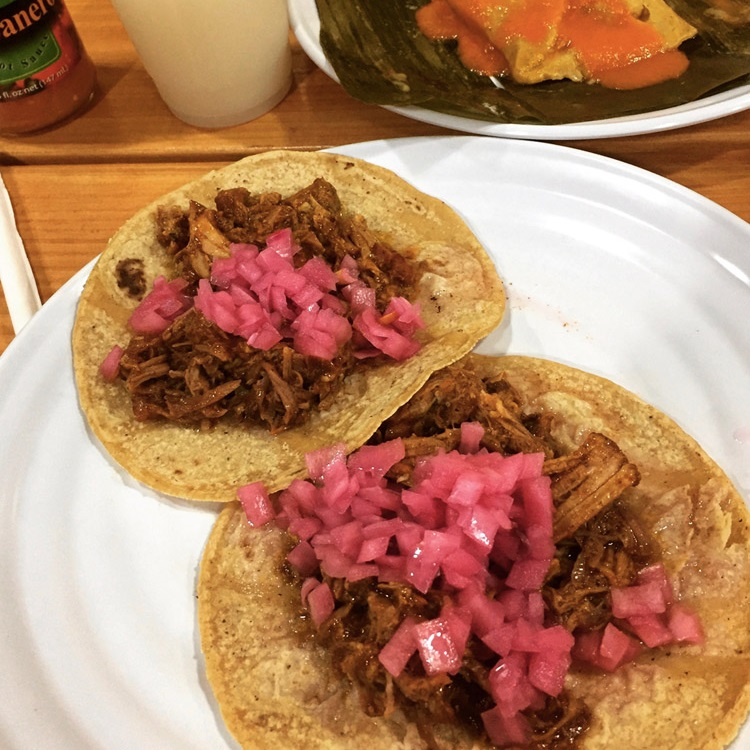 Cochinita pibil tacos at Chichén Itzá