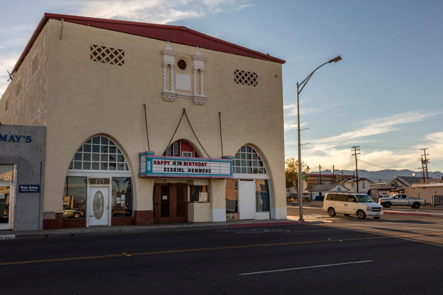 mojave_desert_needles_movie_theater.jpg